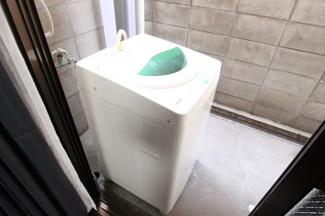 洗濯機も設置済みです。