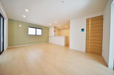 【外観】西横浜駅徒歩11分の閑静な住宅街。全居室南向きにつき陽当り良好♪横浜市西区西戸部町3丁目 全3棟新築戸建て