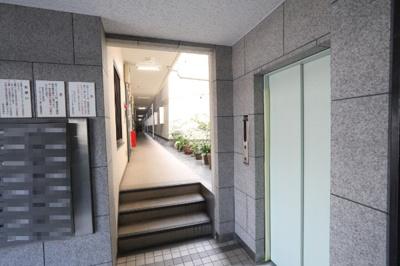 エレベーター付きの物件ですので、階をまたぐ移動も楽にしていただけます。