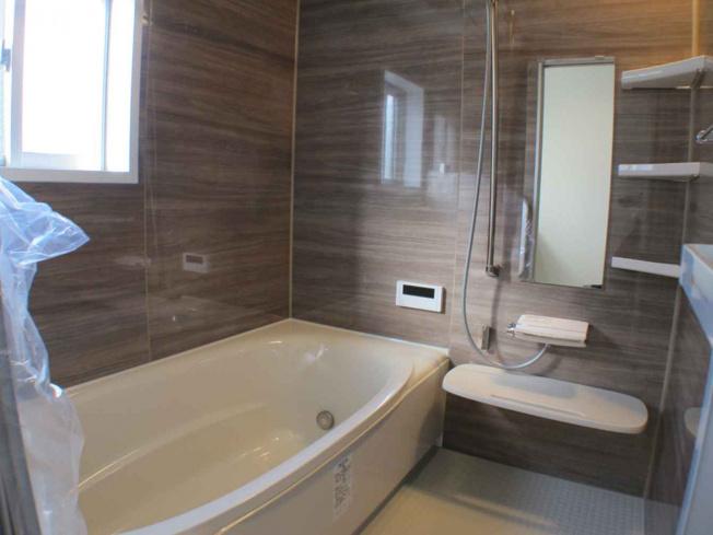 ピカピカの浴室は追い炊き機能や浴室乾燥機の他、嬉しいミストサウナ付♪