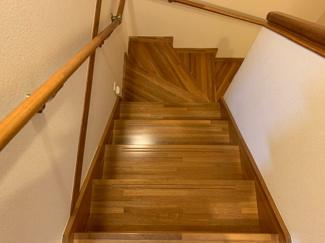 階段 ピカピカです