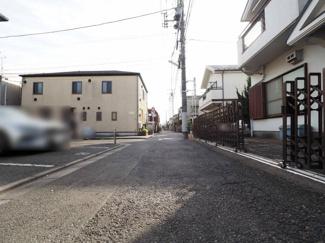 【前面道路含む現地写真】世田谷区駒沢4丁目 中古戸建