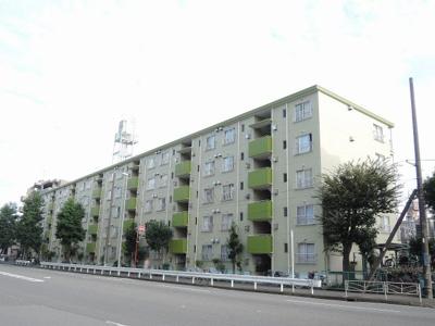 総戸数70戸、昭和53年5月築のマンションです。 専有面積52.77平米、3DKのリフォームお部屋となります。