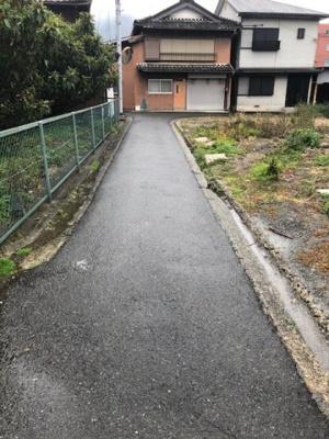 【前面道路含む現地写真】【売地】第三中学校・56632