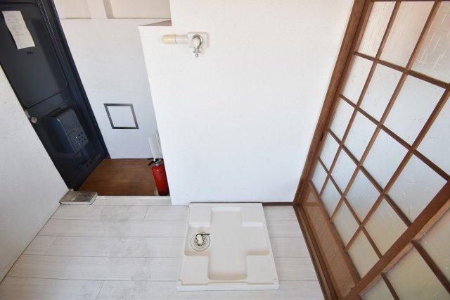 洗濯機は室内に設置可能です。