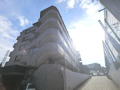 京浜急行線「杉田」駅徒歩13分、JR京浜東北線・根岸線「洋光台」駅徒歩17分 と2路線2駅利用可能な好立地。