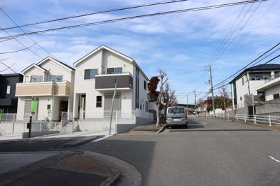 【前面道路含む現地写真】神戸市垂水区神陵台5丁目 1号棟 新築戸建
