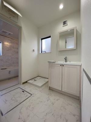 【独立洗面台】百合ヶ丘3丁目 デザイナーズハイスペック新築住宅