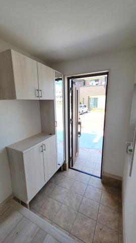 収納が充実しているので、靴や傘などでいっぱいになりがちな玄関も常にスッキリと保つことができます。