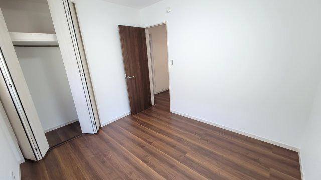 お子様のお部屋やご主人様の書斎としてもご活用できます。収納力にも優れているのでお部屋をスッキリ保つことができます。