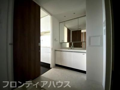 【洗面所】リビオ六甲高羽サニースクエア