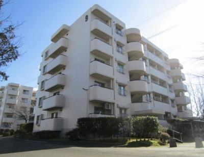 総戸数262戸、1983年11月築のマンションです。 専有面積83.30平米、3LDKのリフォームお部屋となります。