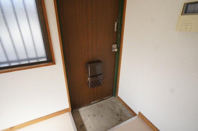 【玄関】対中町12番ハイツ