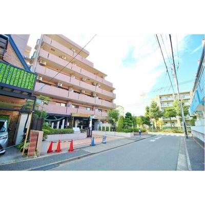 東京メトロ千代田線「北綾瀬」駅から徒歩圏内です。