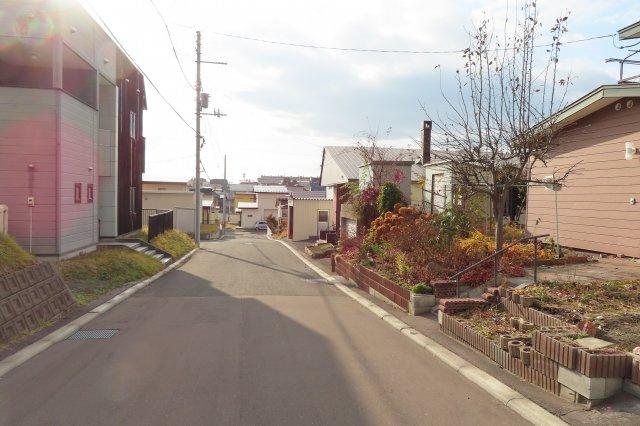 【前面道路含む現地写真】北見市美山町南7丁目4番地25 中古売家