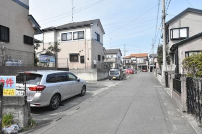 【前面道路含む現地写真】鴻巣市宮前 中古一戸建て