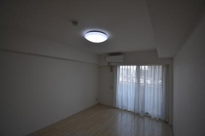 エアコン 照明完備です
