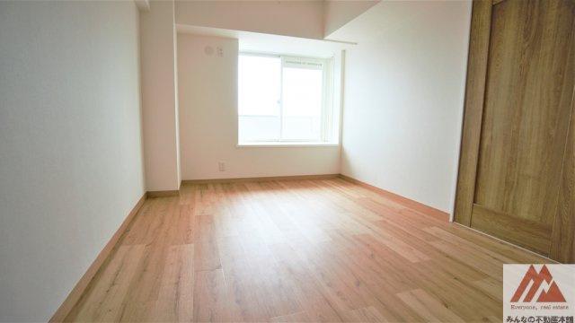 原状和室を洋室へ変更致します。