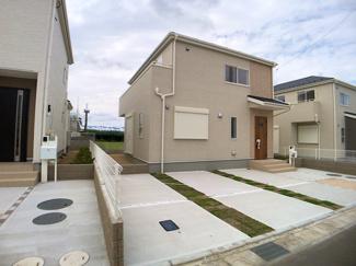 JR総武・中央緩行線「本八幡」駅バス25分医療センター入口停歩9分の全23棟の新築一戸建てです。