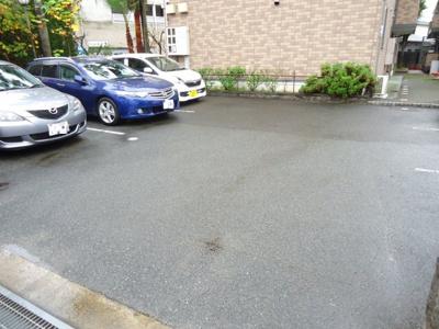 【駐車場】クニーズコート C棟