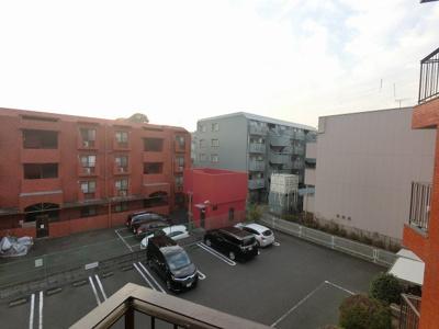 3階部分からの眺望です。 前面に建物が無く、開放感がございます。