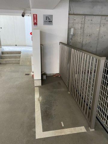 バイク置場スペースです。 空き状況は担当者までご確認ください。