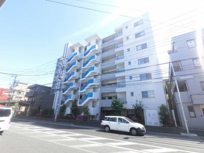 横浜線「小机」駅徒歩3分の好立地。