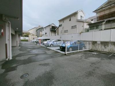 【駐車場】デ・リード枚岡グリーンビュー