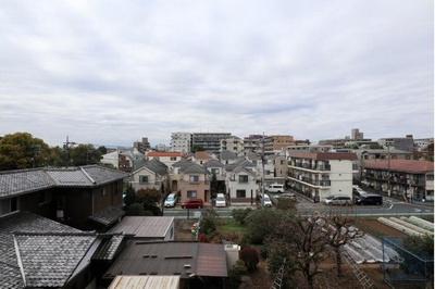 9階建4階部分からの眺望です。