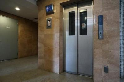 エレベーター付きで、お荷物がたくさんある時にも昇降楽々です。
