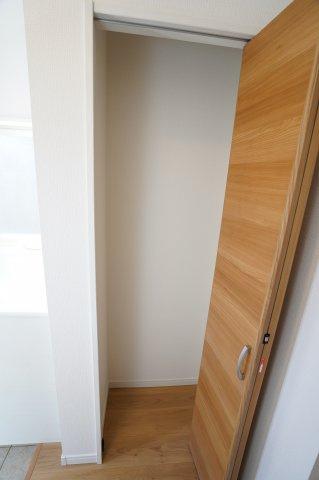 1階ホール収納スペース