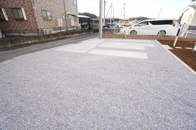 駐車スペースは4台以上可能!