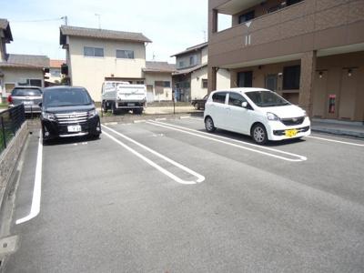 【駐車場】シャン・ド・ボヌール