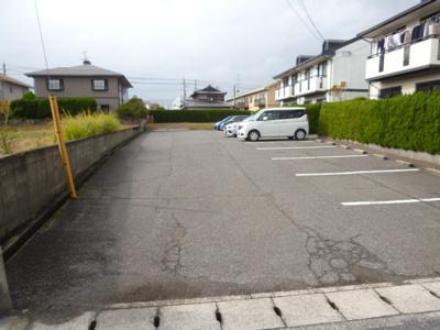 【駐車場】ニュークエストA