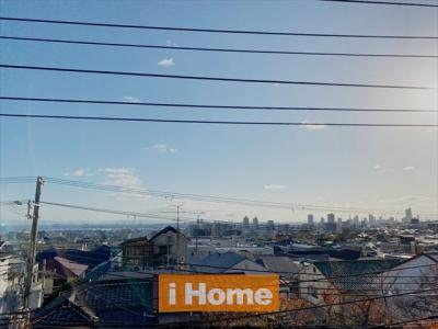 南面バルコニーからの眺望は良好です!