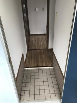 【玄関】王子山コーポ