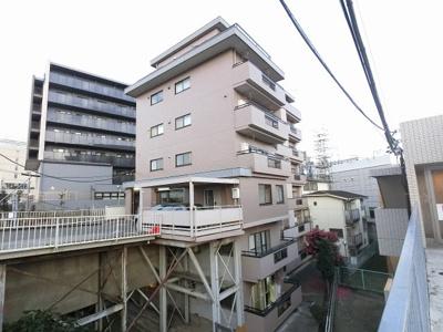 総戸数22戸、昭和50年4月築のマンションです。 専有面積36.39平米、1LDKのお部屋となります。