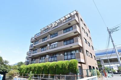 総戸数30戸、平成14年8月築のマンションです。 専有面積69.72平米、3LDKのお部屋となります。