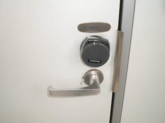 玄関扉カードキー