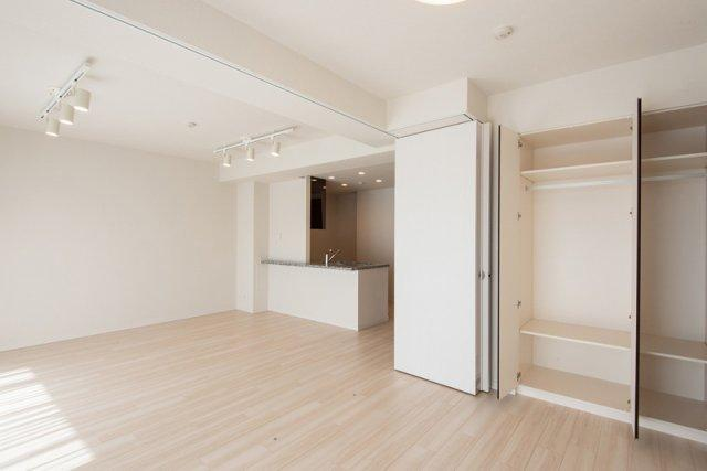 クレアホームズ北浦和楓雅の邸:約5.1帖の洋室です!