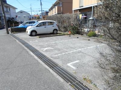 【駐車場】ドルフ石井A棟