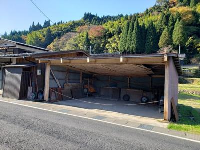【駐車場】鳥取市佐治町森坪中古戸建