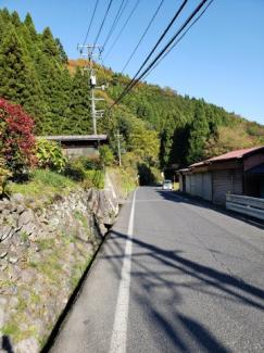 【前面道路含む現地写真】鳥取市佐治町森坪中古戸建て