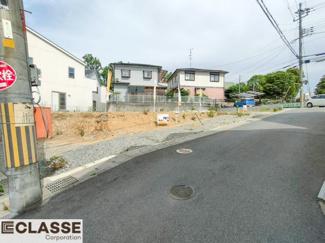 ・参考プラン価格:1850万(別途外構費110万)     ・建物価格は参考価格になります。 (弊社標準建物28坪で計算した価格です)       ・参考プラン延床面積:81.81㎡