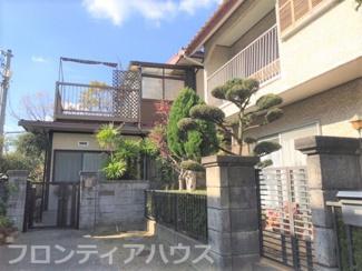 接道間口は4mあり、駐車場スペースとしてご活用いただけます。