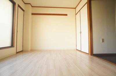 【居間・リビング】クロワートハイツ