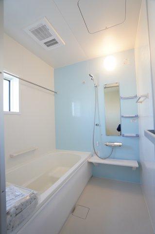 浴室乾燥機のついたお風呂です。