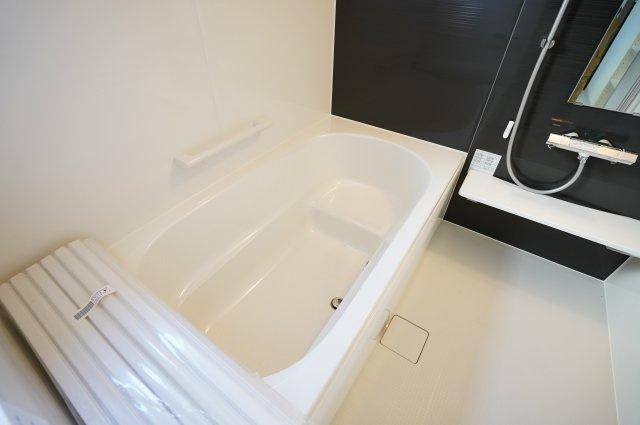 大きなお風呂は家族一緒に入れますよ。