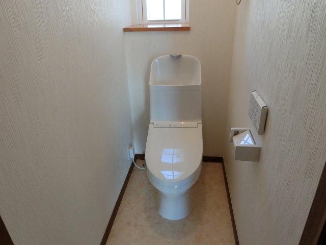 トイレ 1.2階新品です!