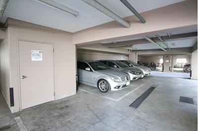 敷地内に駐車場を完備しております。